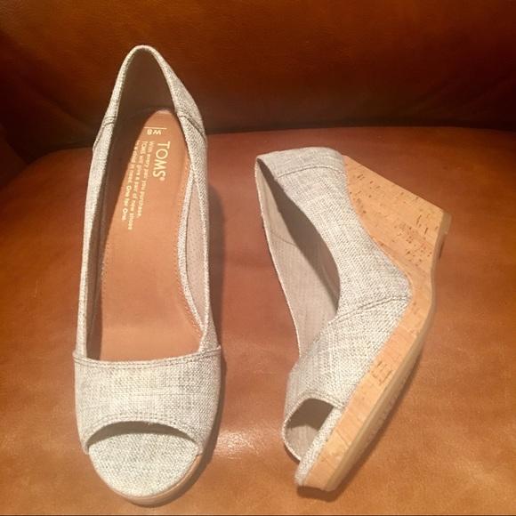 0993721144a New Toms Women s Stella Peep Toe Wedge Heels. SZ 8